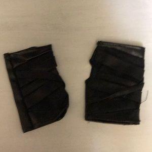 STYLISH Black sleeveless gloves